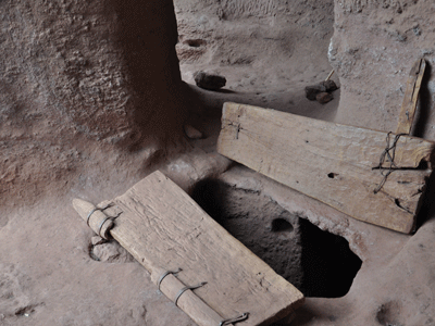 Entrance to underground passageway in Lalibela.